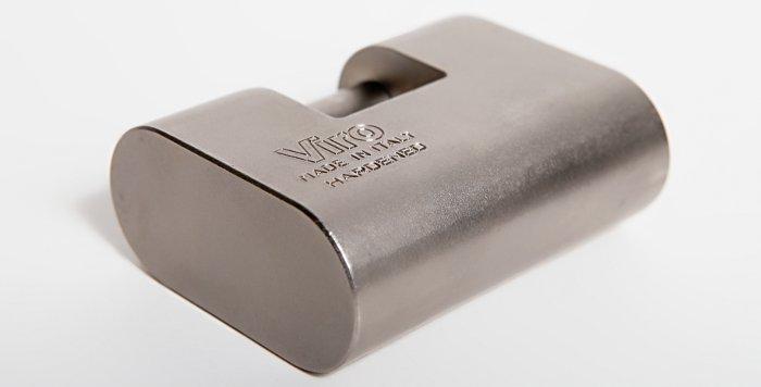 El candado monobloque de acero especial