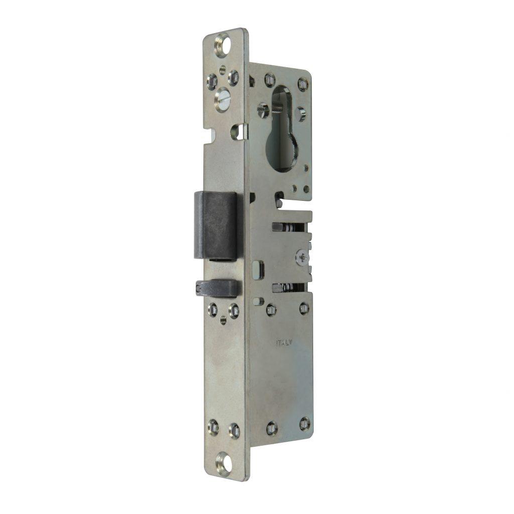 Cerradura de embutir con pestillo reversible autobloqueante predispuesta para cilindro perfilado art. 8537